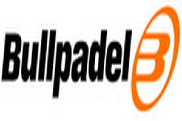 bullpadel5D7CAB69-40C5-FEBF-378C-9D7378214A64.jpg